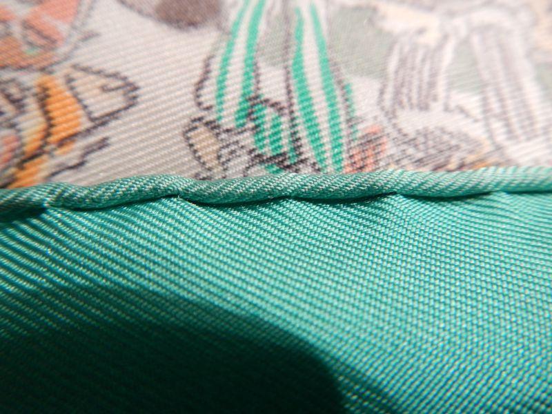 41e51c8f62f Authentifier le carré Hermès - mondepotvente.com